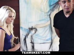Artist fucks amazingly hot blonde model girl in cunt and mouth