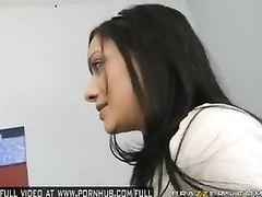 Brunette with round fake boobs Victoria Valentino enjoys cunnilingus
