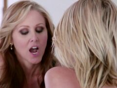 Alluring hot blonde Dakotah Skye is enjoying excitingly licking with lesbian girlfriend